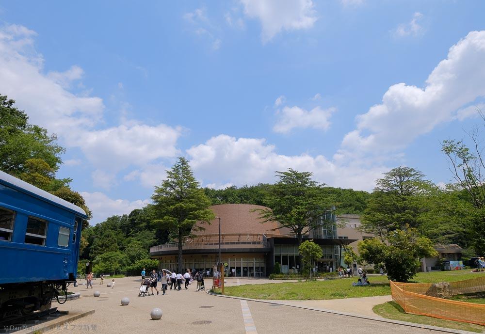 生田緑地内、かわさき宙と緑の科学館