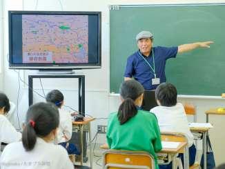授業をする宮澤高広さん