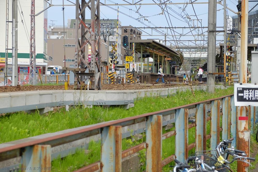 柿生駅の踏切