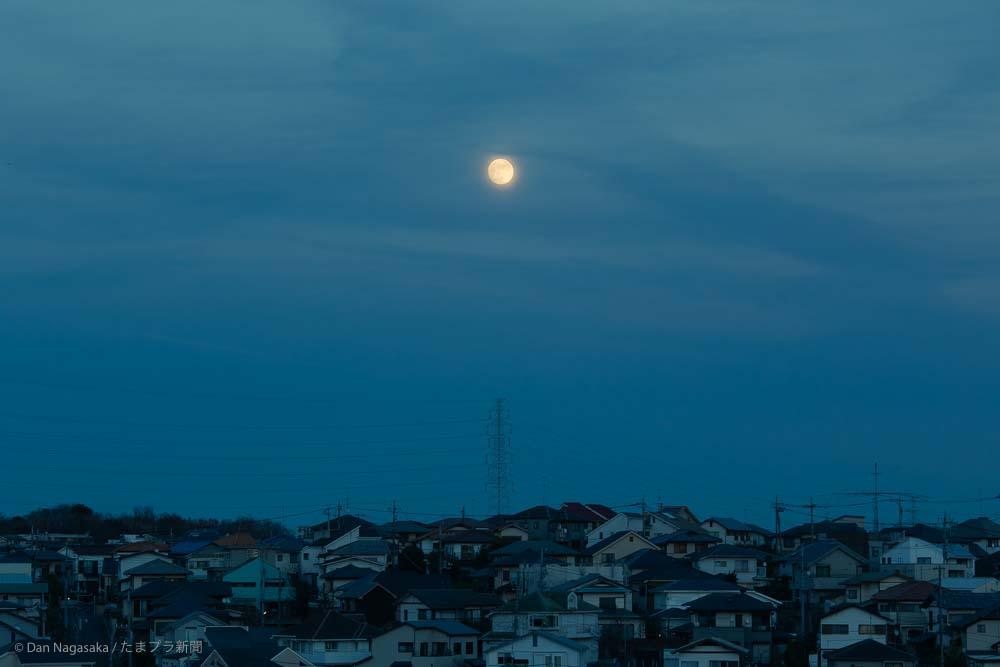 美しが丘西の満月
