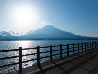 富士山と太陽とサイクリングロード