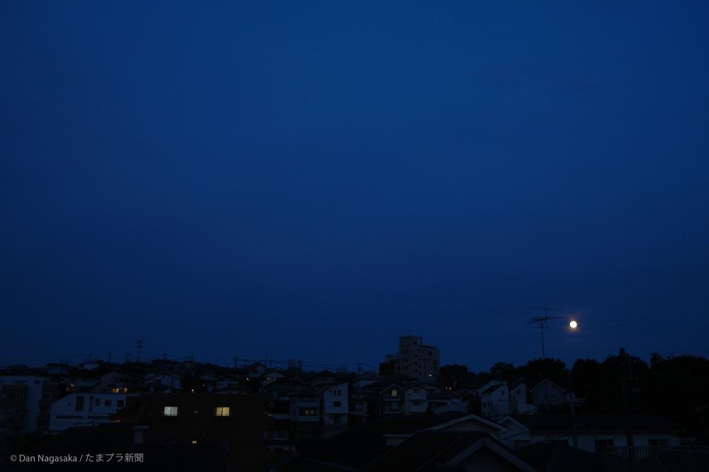 美しが丘四丁目とほぼ満月