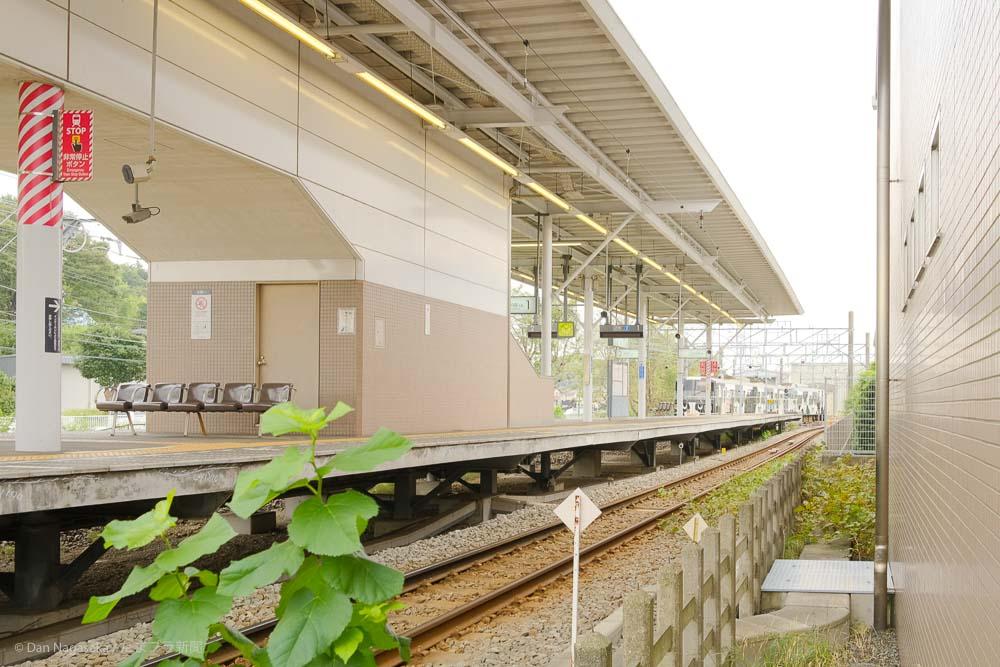 恩田駅のホーム