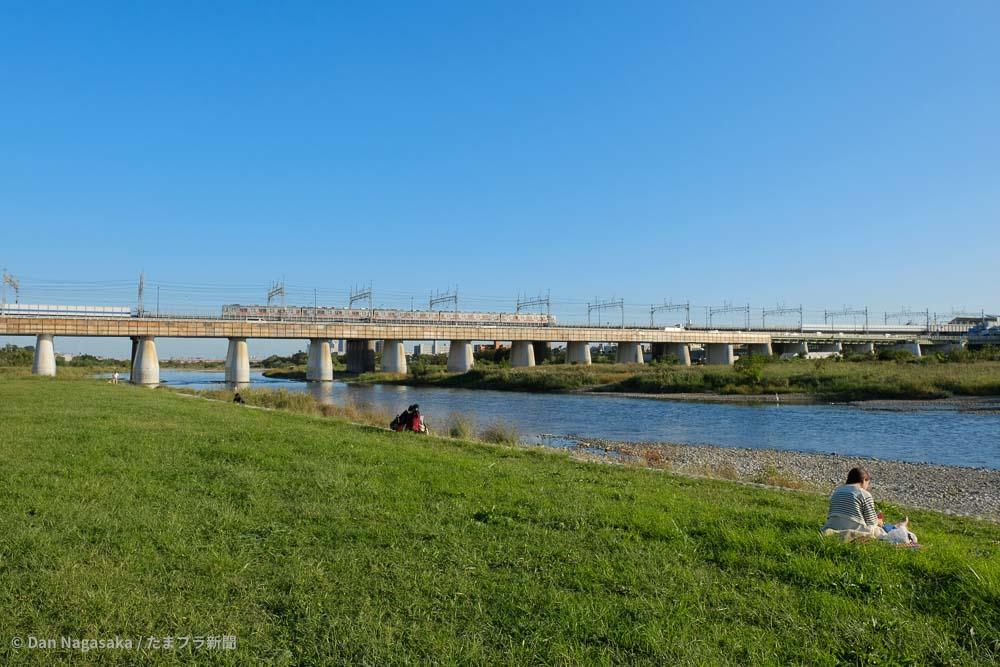 多摩川を渡る田園都市線