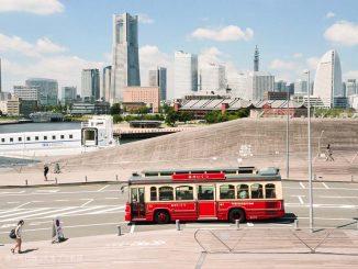 横浜バス赤い靴下